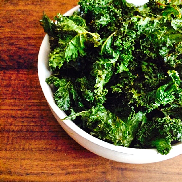 Oven kale chips